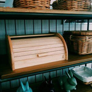 木製のブレッドケース
