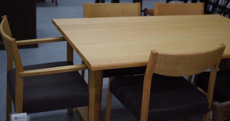テーブルと椅子のバランスで美味しい食卓に